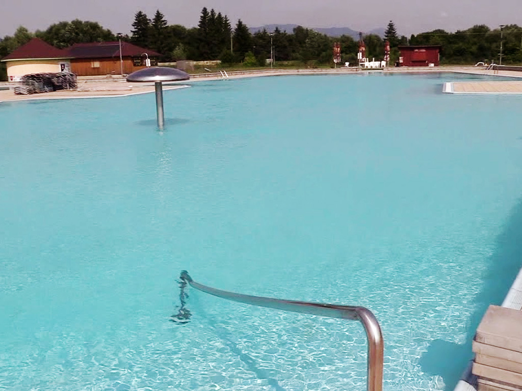 Municipal outdoor swimming pool