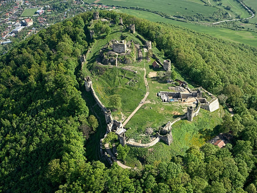 Velky Saris Castle