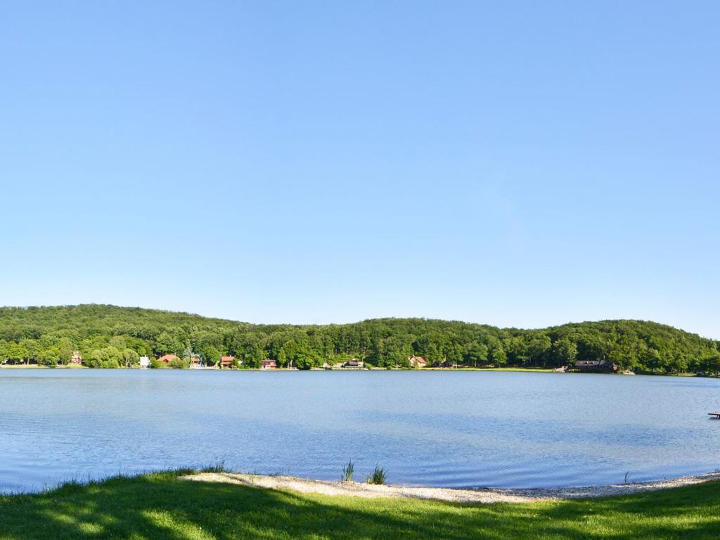 Vinne Lake